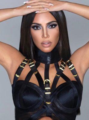 Поклонники думают, что Ким Кардашьян приобрела совершенно новое лицо и теперь хочет выглядеть как Бейонсе